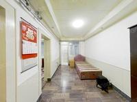 一中高中旁 矮楼层小两室 装修直接入住 适合落户对外出租