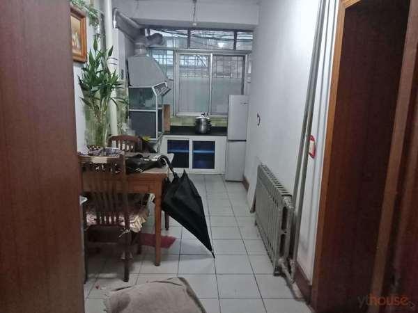 南大街自来水后身大海阳东街二室一厅一楼出租1200