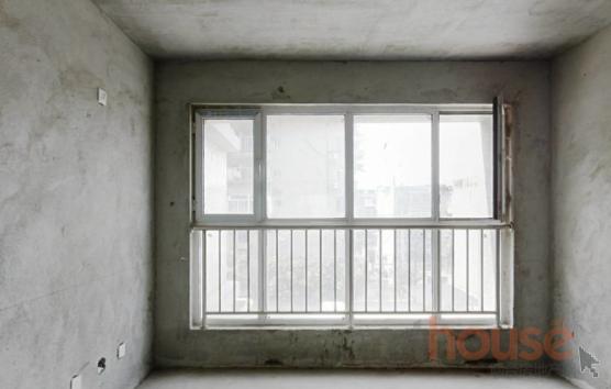 凤凰公馆110 平电梯毛坯房 西打头 全明户型