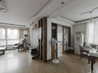 福莱花苑04年框架7楼带电梯通透3室东打头单价1.66万